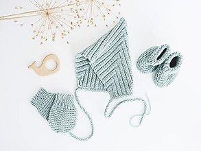 Detské súpravy - Súprava pre bábätko (šalviová) - čiapka/rukavičky/papučky/hračka - 13641342_