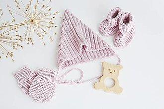 Detské súpravy - Súprava pre bábätko (ružová) - čiapka/rukavičky/papučky/hračka - 13641351_