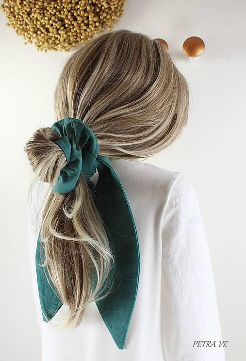 Ozdoby do vlasov - Gumička do vlasov s veľkou mašľou, scrunchie - 13643606_
