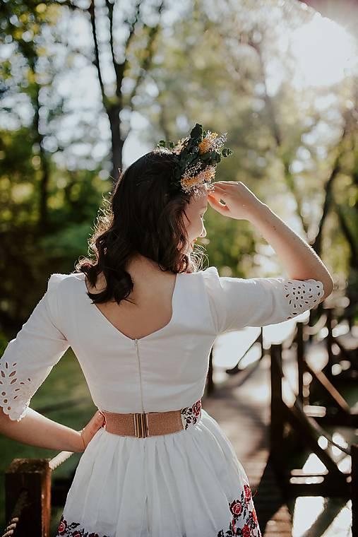 vyšívaný opasok Zámutovské kvety
