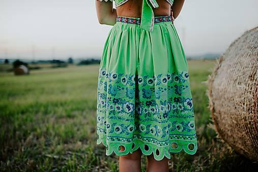 set crop top a sukňa Zámutovské kvety