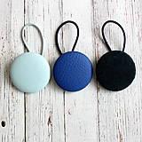 Ozdoby do vlasov - Gumičky do vlasov s buttonkami kožené Modré - 13652395_