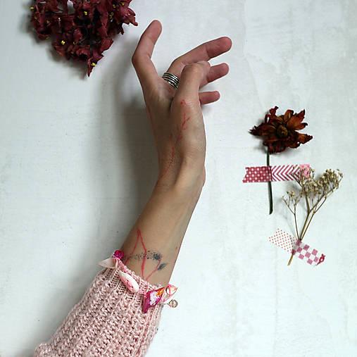 Drobný vtáčik/Mušle, ružová šnúrka