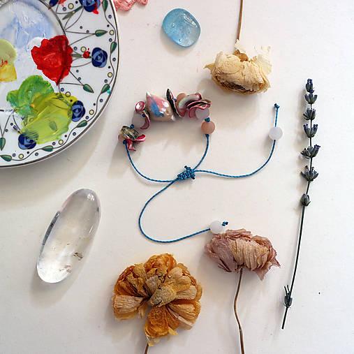 Drobný vtáčik/Mušle, avanturín, modrá šnúrka