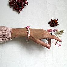 Náramky - Drobný vtáčik/Mušle, ružová šnúrka - 13655726_