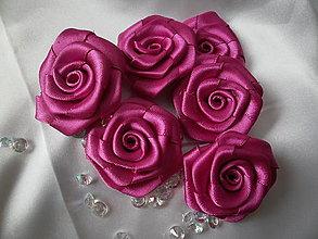 Iné doplnky - Saténové ružičky priemer     4,5 -  5cm - 13654177_