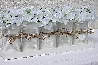 Dekorácie - Vintage upcyklovaná dekorácia do stredu veľkého stola s hortenziami - 13659205_