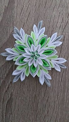 Dekorácie - Zelená vločka - 13658398_
