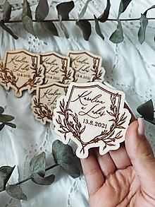 Darčeky pre svadobčanov - Magnetky pre svadobných hostí kvetinový erb - 13663465_