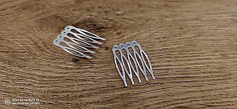 Komponenty - Hrebienok do vlasov 38 x 52 mm (39 x 27 mm - Strieborný) - 13664495_