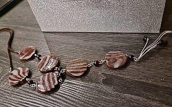 Náhrdelníky - Náhrdelník hnedý so špirálami - 13662786_