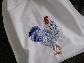 Úžitkový textil - Sliepočka (ručne vyšívané vrecko) - 13666633_
