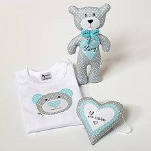 Detské oblečenie - SET MACKO  body + hračka + srdiečko (sivo - tyrkysový) - 13666778_
