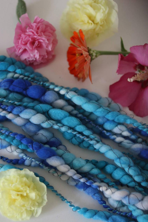 Ručne pradená efektná priadza-merino/hodváb/tencel vlna, na tkanie a pletenie - rôzne farby