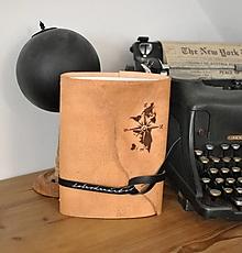 Papiernictvo - kombinovaný kožený zápisník ADVENTURE - 13668290_