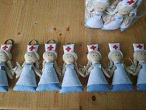 Drobnosti - Kľúčenky v tvare zdravotnej sestry - 13671822_