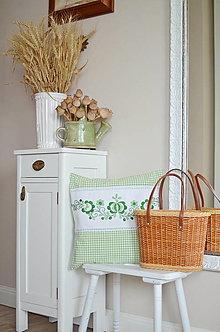 Úžitkový textil - Zelený vidiecky vankúš - 13674162_