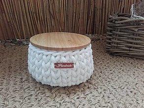 Košíky - Košík biely s bambusovym krytom - 13674857_