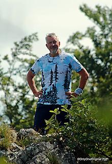Tričká - Pánske tričko, batikované, maľované LESOM - 13676773_