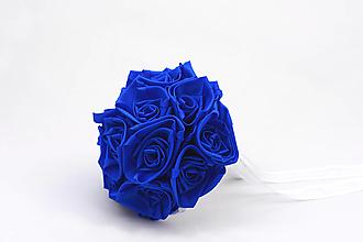 Kytice pre nevestu - Saténová kytica svadobná kráľovská modrá ruže - 13677542_