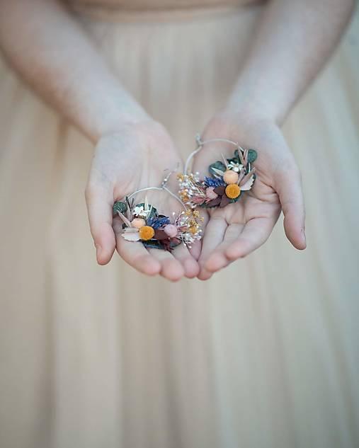 """Kvetinové kruhové náušnice """"spev vetra"""""""