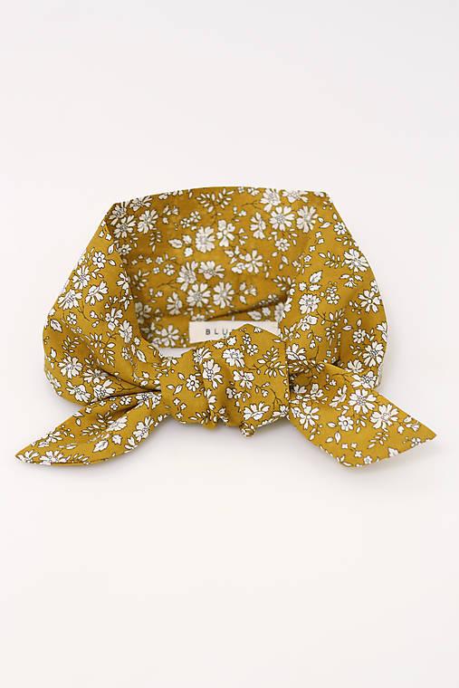 Dámska šatka z exkluzívnej kvetinovej látky Liberty London