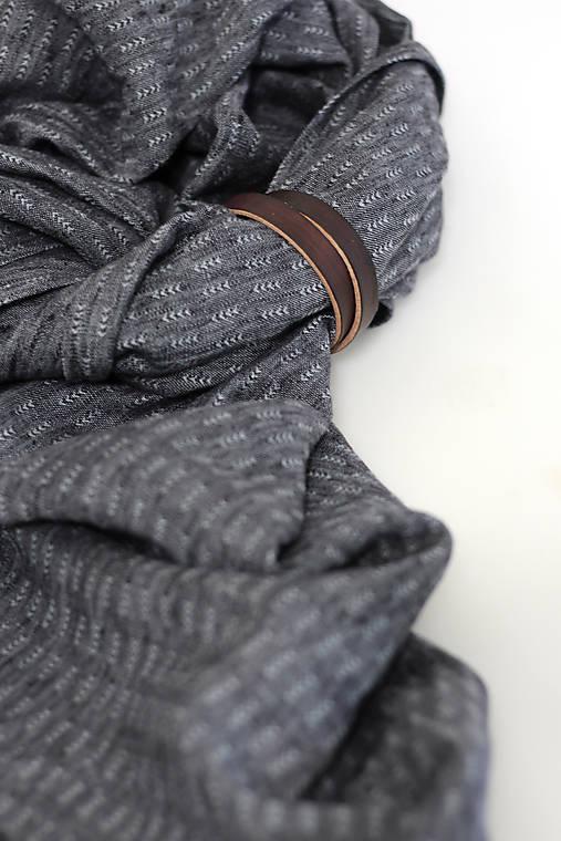 Elegantný pánsky šál z exkluzívnej čiernošedej ľanovej látky