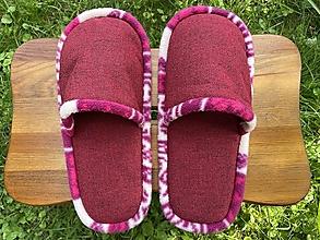 Obuv - Bordové papuče so strakatým lemom - 13694093_