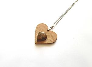 Náhrdelníky - Drevený náhrdelník - 13697514_