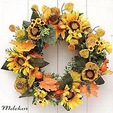 Dekorácie - Jesenný veniec so slnečnicami a tekvičkami - 45 cm - 13698450_
