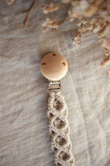 Detské doplnky - makramé držiak na cumlík  (natural klip s béžovou šnúrkou) - 13702471_