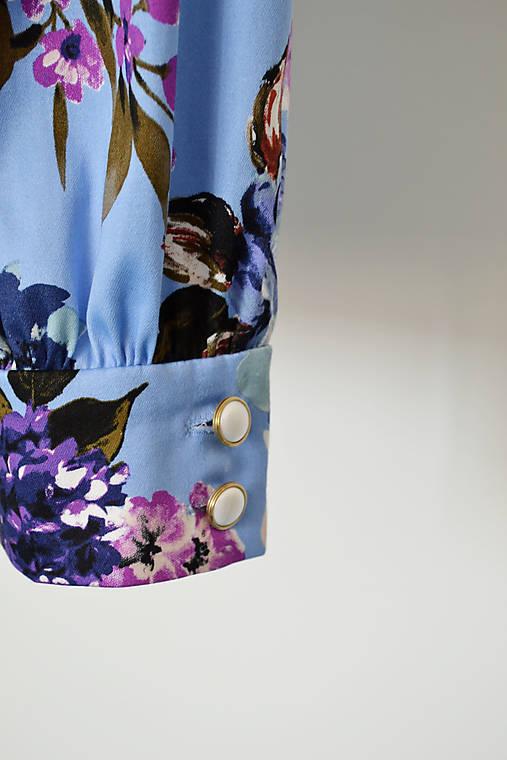 Bavlnená kvetovaná krátka  blúzka s fazónkou