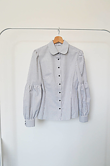 Košele - Bavlnená košeľa s okrúhlym golierikom a členenými rukávmi - 13703201_