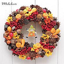 Dekorácie - Jesenný veniec so strašiakom - 13704551_
