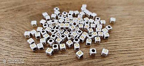 Korálky - Korálka písmenko - Bielo zlaté - 6x6 mm (O) - 13712773_