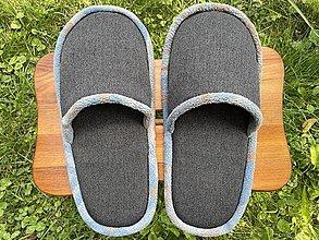 Ponožky, pančuchy, obuv - Veľké šedé papuče - 13713375_