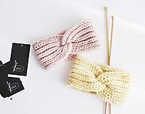 Čiapky - Ručne pletená čelenka - pastel ružová/žltá - 13715293_