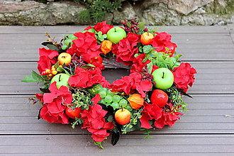 Dekorácie - Jesenný veniec s červenou hortenziou. - 13719359_