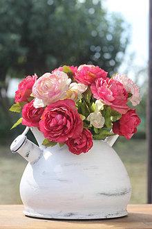 Dekorácie - Čajník plný ruží - vintage dekorácia do kuchyne - 13723854_