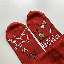 Obuv - Maľované ponožky s titulom a menom (chemické červené) - 13723542_