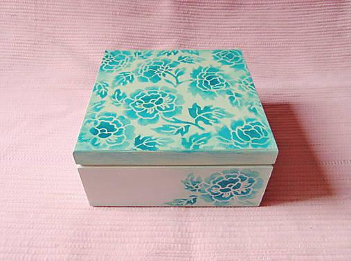 Drevená krabička s priečinkami
