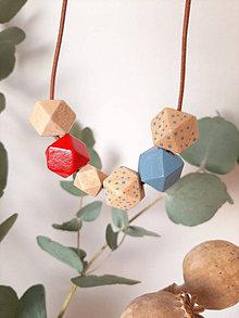 Náhrdelníky - Drevený náhrdelník - 13732232_