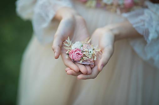 """Kvetinová brošňa """"nestrať si ma"""""""