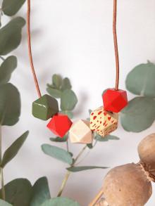 Náhrdelníky - Drevený náhrdelník TY - 13732822_