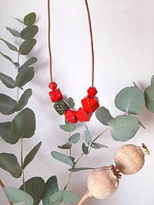 Náhrdelníky - Drevený náhrdelník  NEL - 13732825_