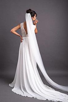 Šaty - Boho jednoduché svadobné šaty s telovým tylovým podšitím a kruhovou sukňou s dlouhou vlečkou - 13736943_