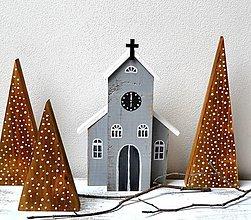 Dekorácie - Zimná dekorácia-Drevený kostolík - 13737895_