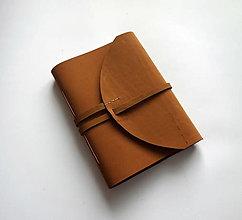 Papiernictvo - Kožený zápisník A5 karamelová - 13745036_