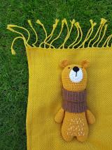 - Háčkovaný medvedík Agnes - 13743396_