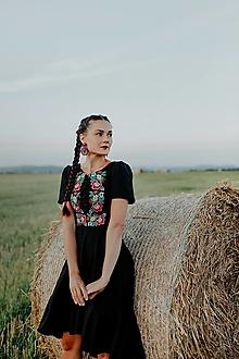 Šaty - čierne vyšívané šaty Zámutovské kvety - 13747280_